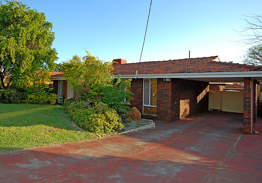 Family home in Rossmoyne High and Willetton High School zone!