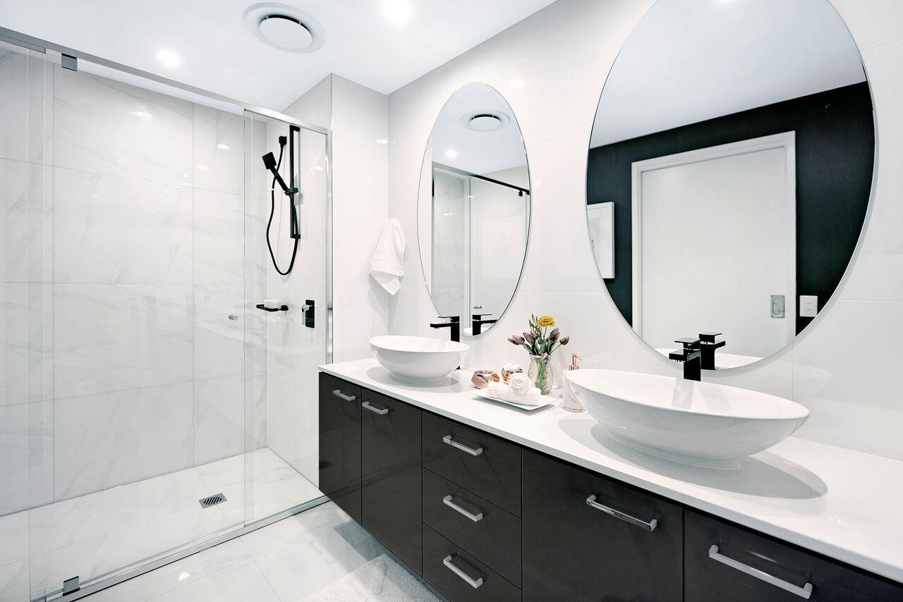 mydimport-1588591132-hires.7892-Panoramabathroom.jpeg