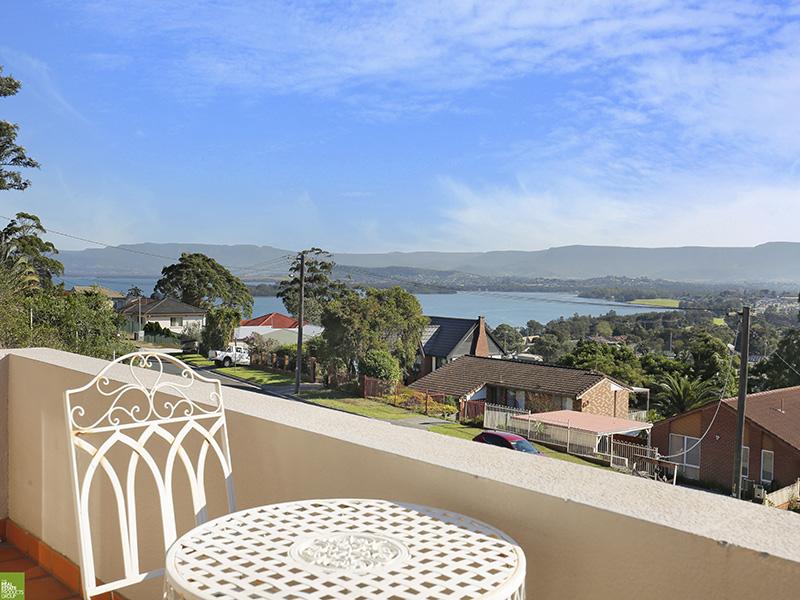 Executive Family Home with Lake Views