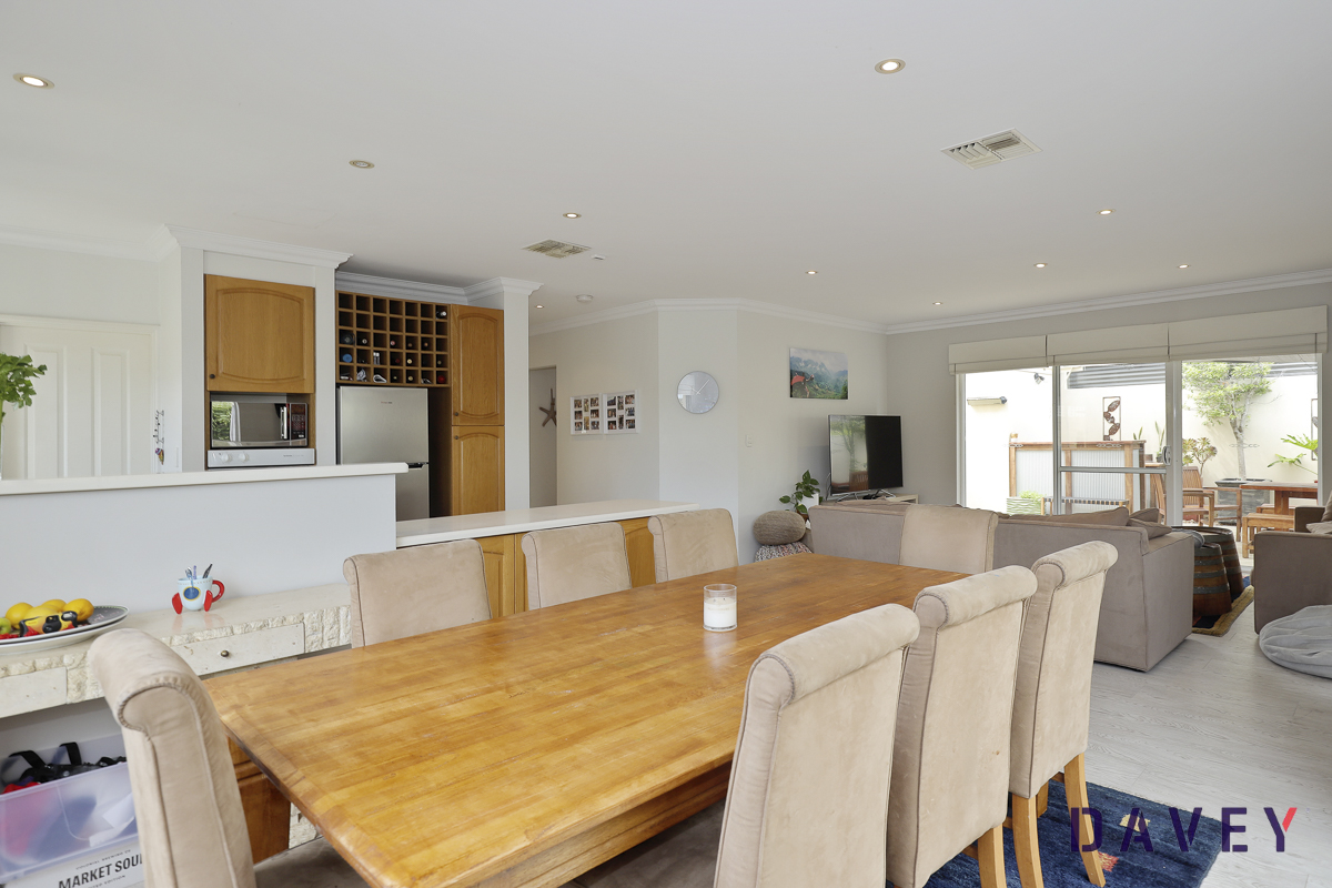 Spacious Townhouse in Superb Location