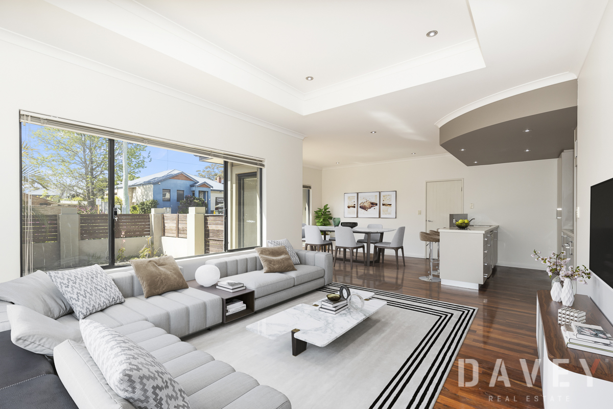 Downsize in Style in a Perfect Location