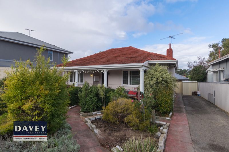 3 Bedroom Character Home Close to Schools and Shopping Centres