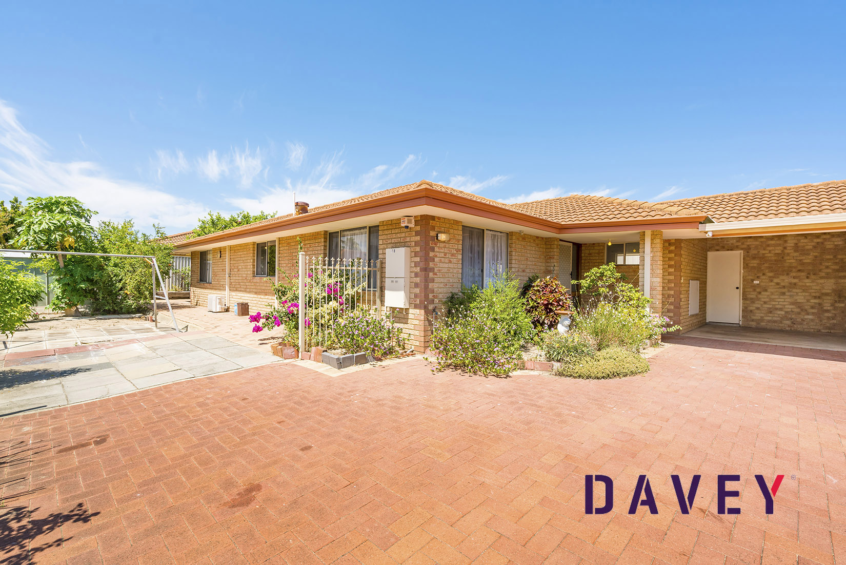 Rare offering - 4 x 2 family home on 418sqm
