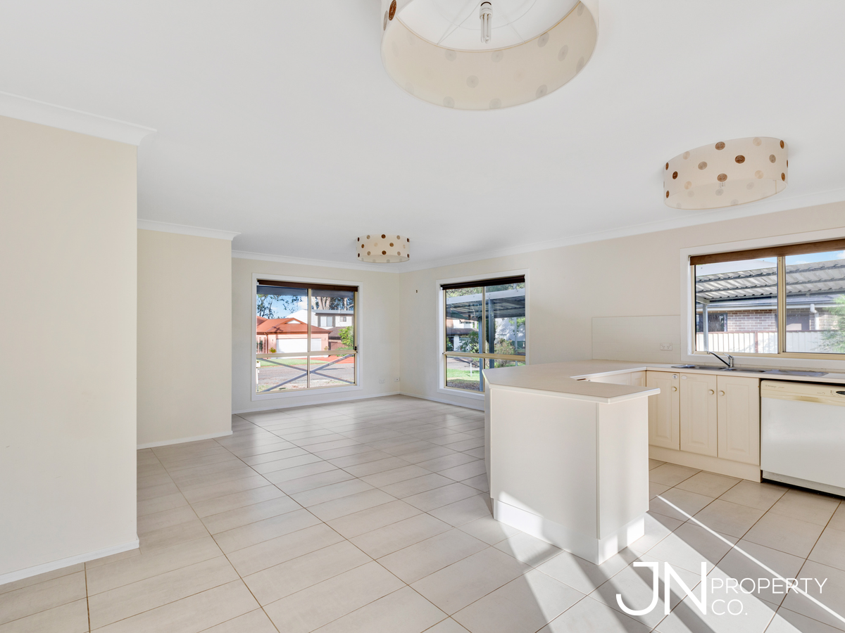 4 Lakeshore Avenue, KINGFISHER SHORES, NSW, 2259 - Image