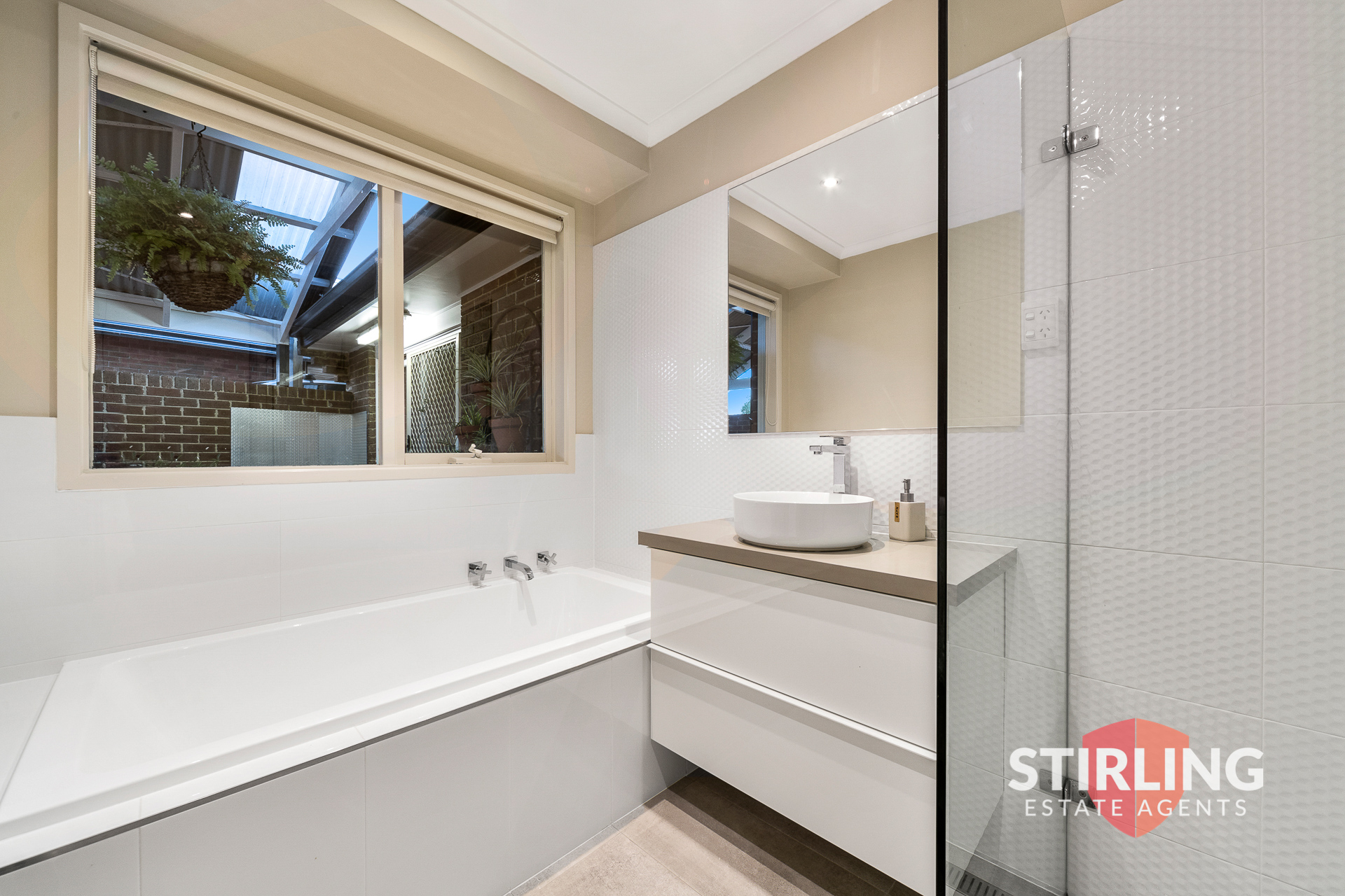 135 Aquarius Drive, FRANKSTON, VIC, 3199 - Image