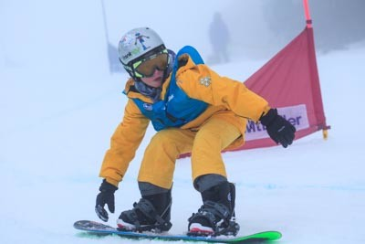 Division 5 & 4 Boys Snowboard GS Action