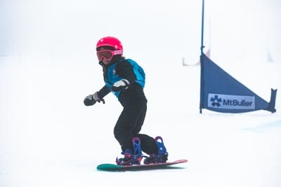 Division 5 & 4 Girls Snowboard GS – Race Shots