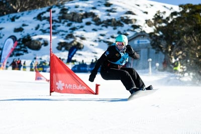 Division 2 Girls Snowboard GS – Race Shots