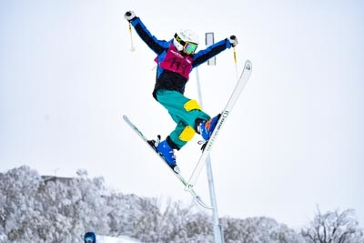 Division 4 Girls Moguls – Run 2