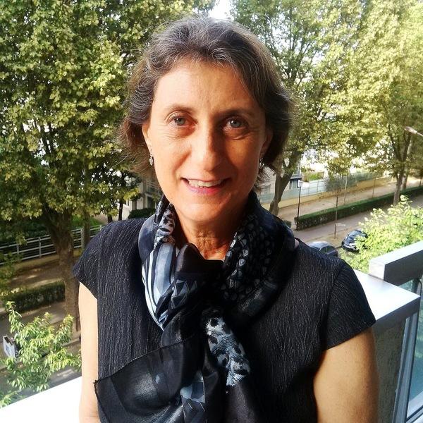 Eliane Karsaklian