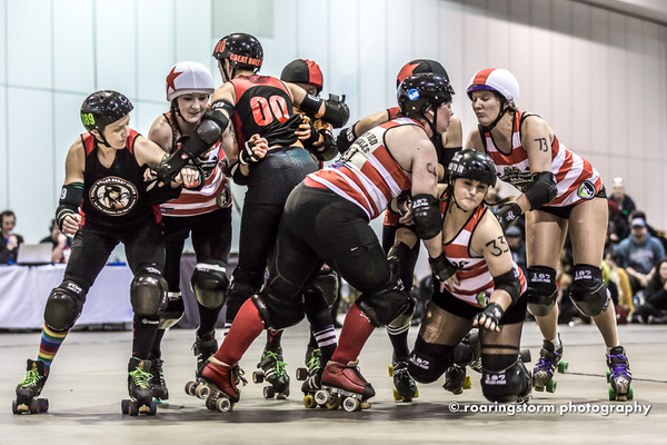The Pirate City Rollers' All Scars v Sydney at TGSS 2012