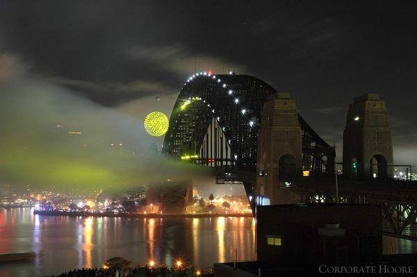 Fanfare, 2005, Sydney Harbour Bridge, images courtesy of Neil Dawson