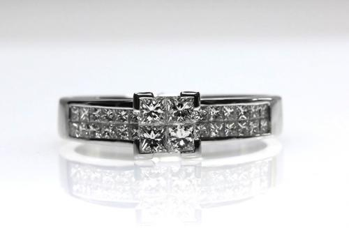 18ct W/G Invisible set diamond ring size P