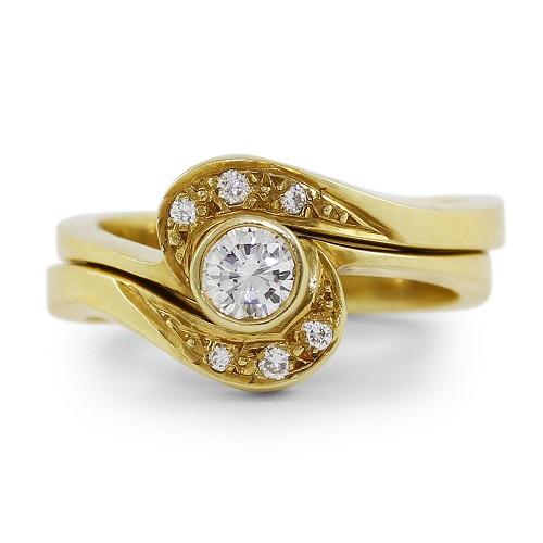 Brilliant Cut Seven-Diamonds Ring Set