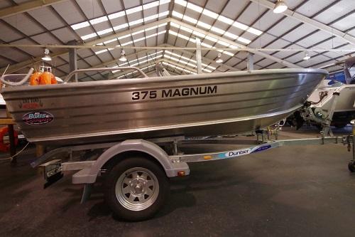 Tattoo Magnum 375 L/S dinghy + Trailer