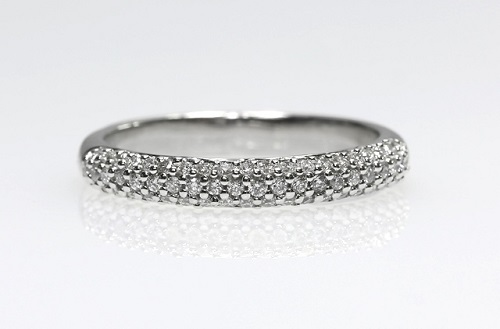 18ct W/G Pave' set diamond ring