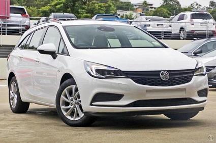 2017 White Holden Astra LS+ Sportwagon