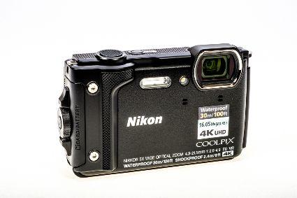NIKON COOLPIX W300 BLACK COMPACT CAMERA