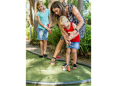 Mini Golf & Leapfrogs, Putting & Pizza