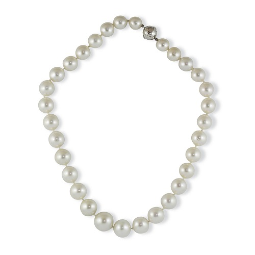 32 Piece White Broome Pearl Strand