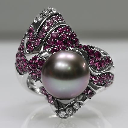 18ct W/G Pearl/sapphire/diamond ring