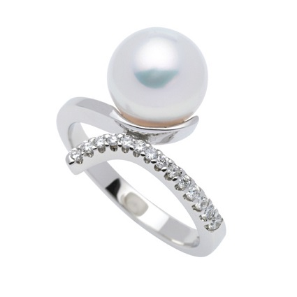 18k WG Australian Pearl and Diamond Ring