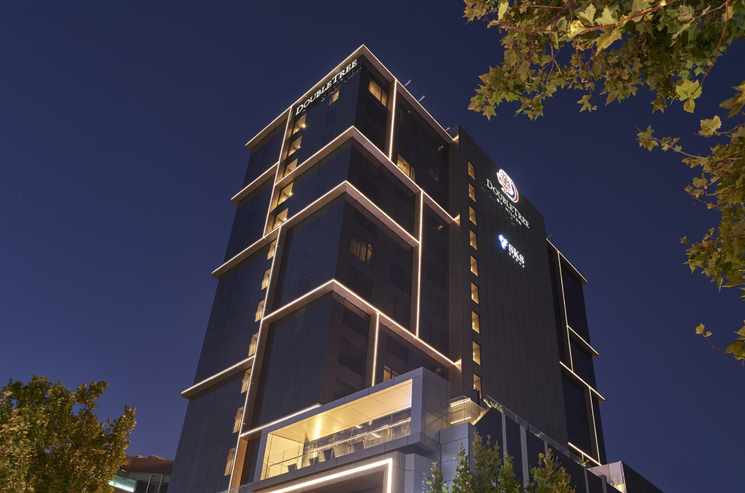 DoubleTree by Hilton Perth-Northbridge hotel up for sale