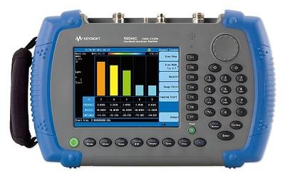 Keysight N9344C handheld spectrum analyser with tracking generator