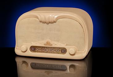 Vintage radios on display at Melbourne exhibition