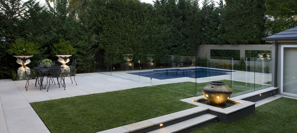 Form and function: installing pool fencing that won't ruin your client's outdoor aesthetic