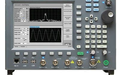 General Dynamics R8000B compact communication system analyser
