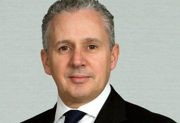 Telstra loses $5bn in market value