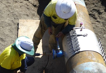 On-site calibration of bulk flow meters at operational conditions