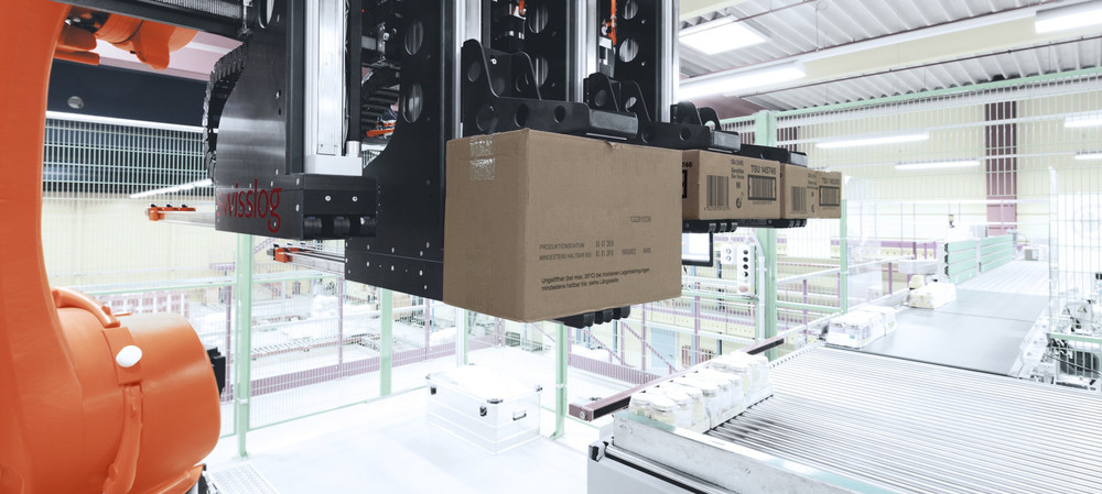 Coca-Cola Amatil boosts efficiency with robotic mixed pallet technology