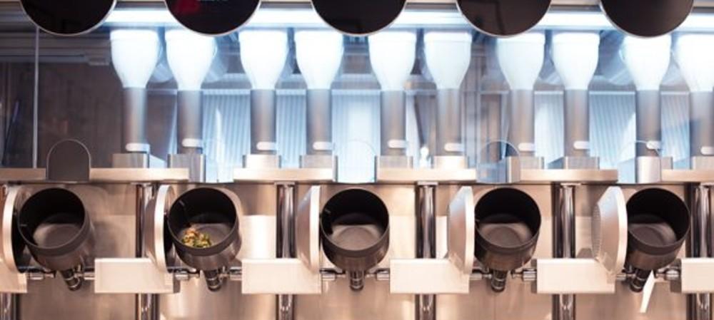 Robotic kitchen working in Boston restaurant