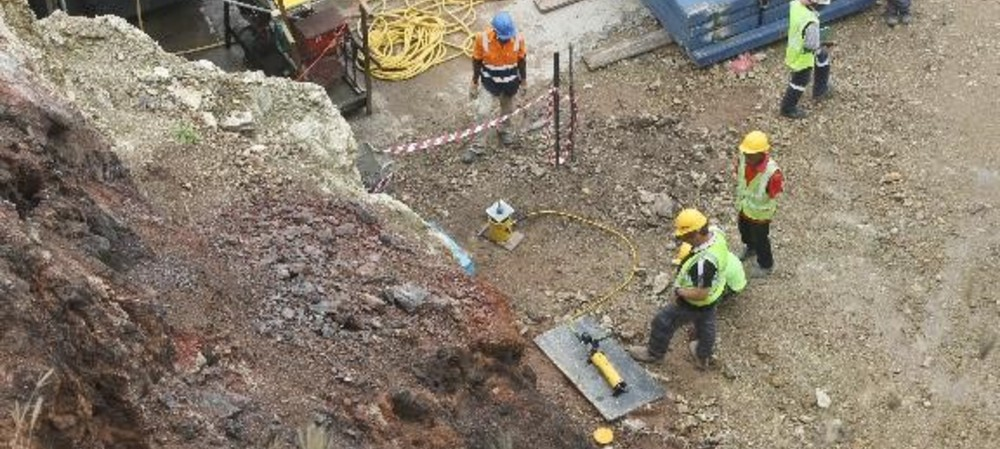 Stabilising buildings to maximise construction safety