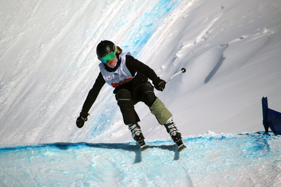 Ravenswood Snowsports Equipment Fund Banner