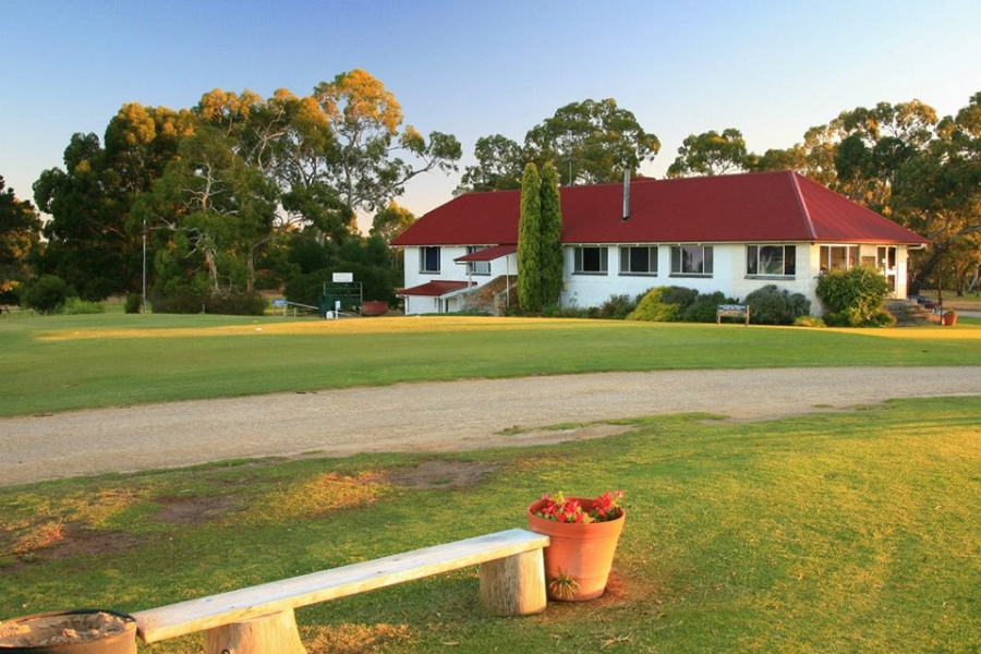 Naracoorte Golf Club Foundation Banner