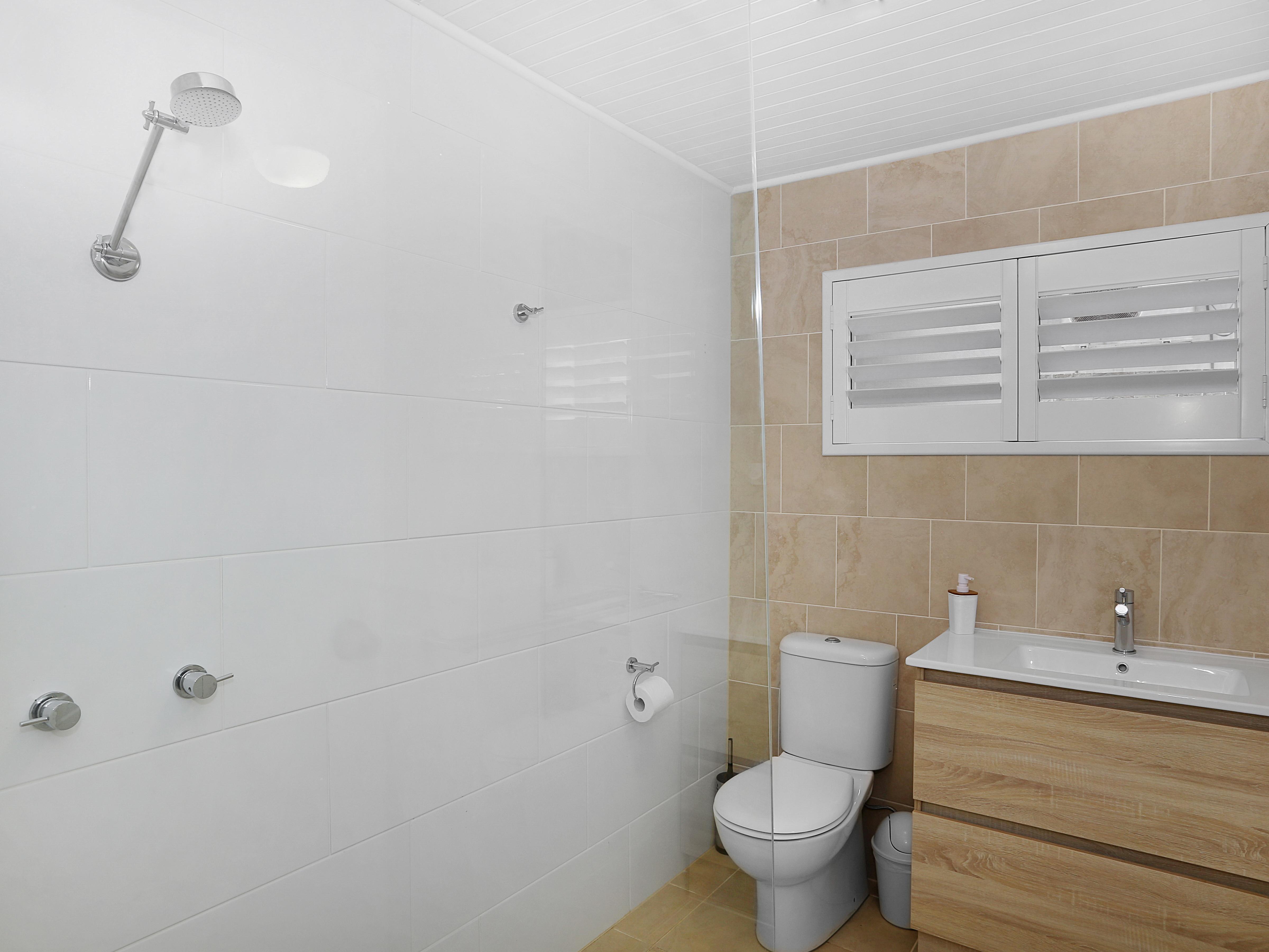 Skippers Watch bathroom gallery image