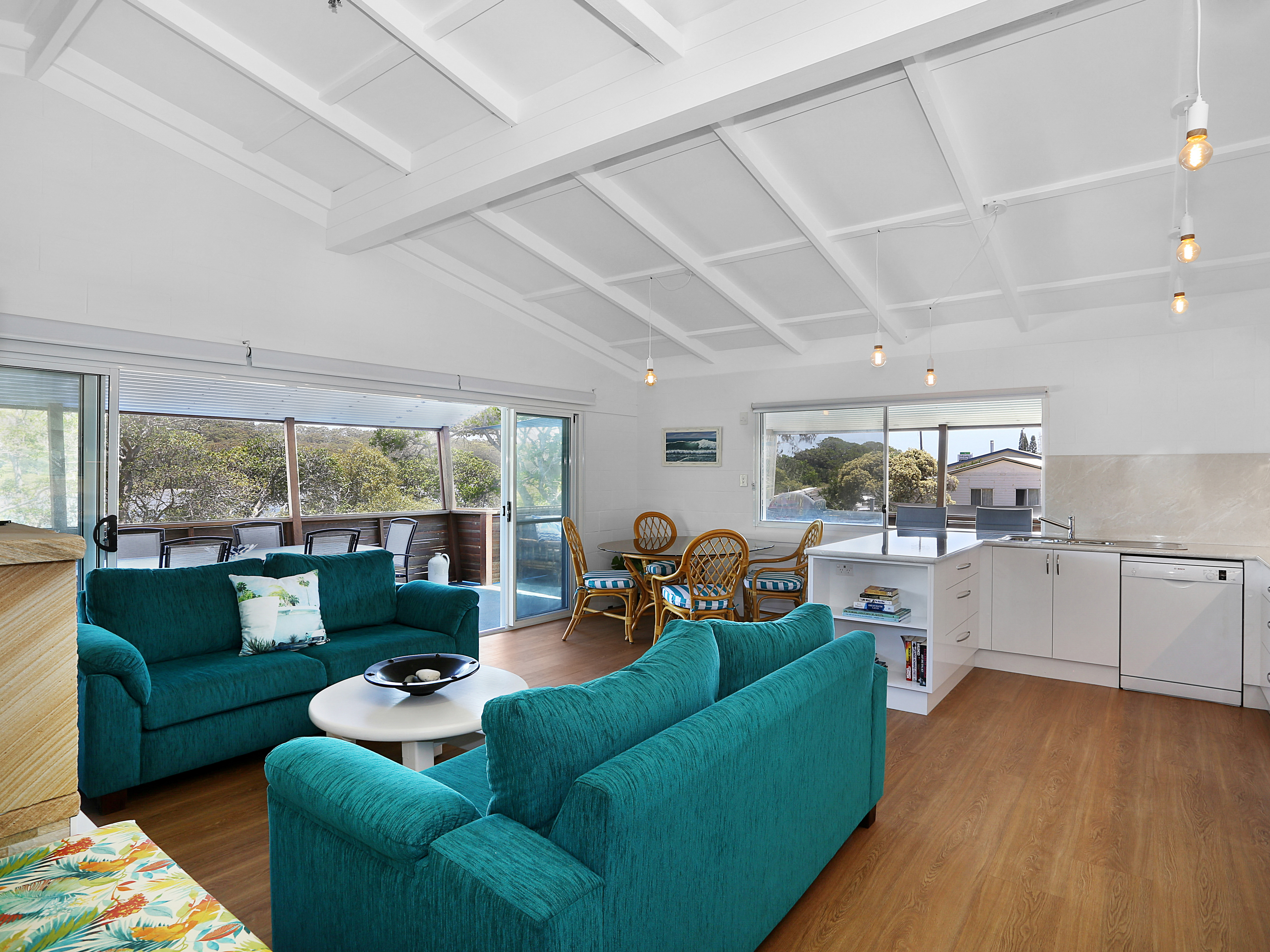 Admirals Deck - Blue River Apartments gallery image