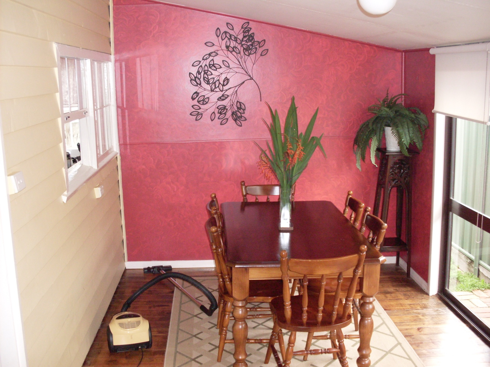 Dining Room at Paringa Cottage, Echuca - Pet Frien gallery image