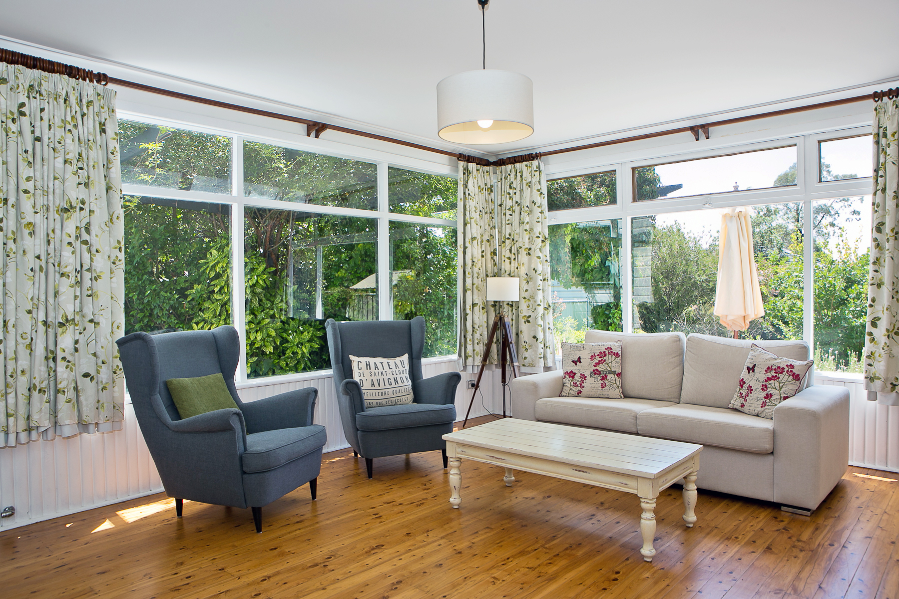 Darling Cottage - Lounge Overlooking the Garden gallery image