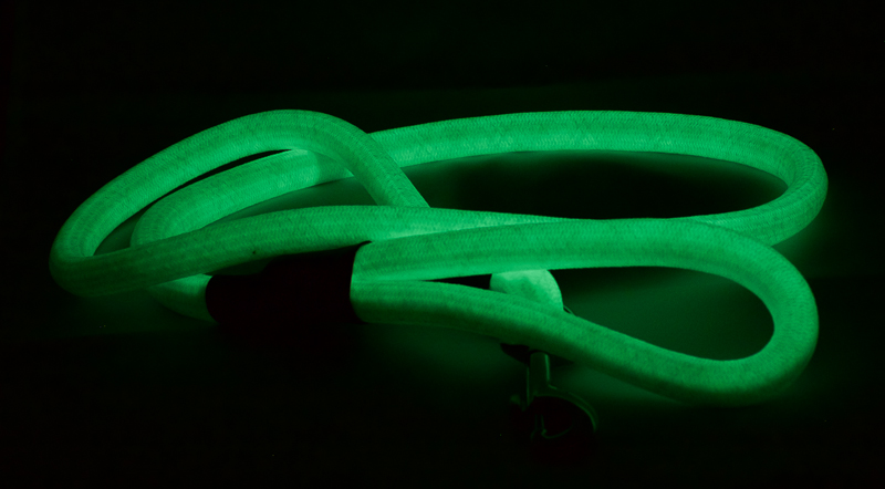 Rope lead 1.2m glow at night gallery image