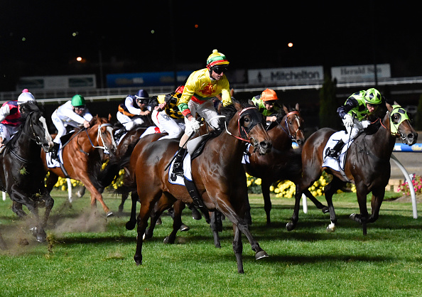 Lucky Hussler comfortably taking out the 2015 William Reid