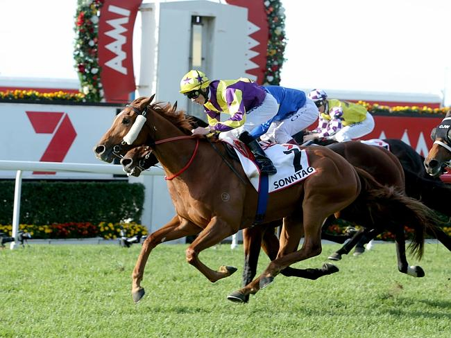 Sonntag taking out the 2015 Queensland Derby