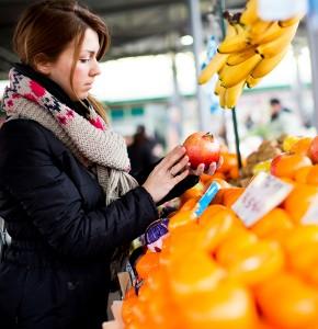 Buying_Fruit