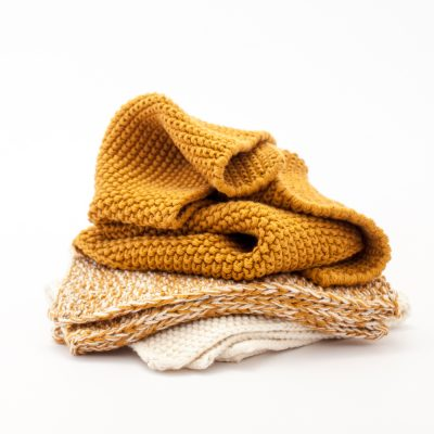 ocre and white washcloth set