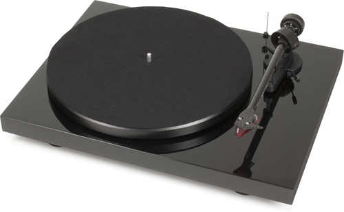 Pro-Ject Debut Carbon DC Turntable w/ 2M Red