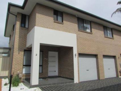 2/4 Newton Road, Blacktown NSW 2148-1