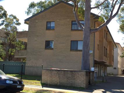 3/7 Santley Crescent, Kingswood NSW 2747-1
